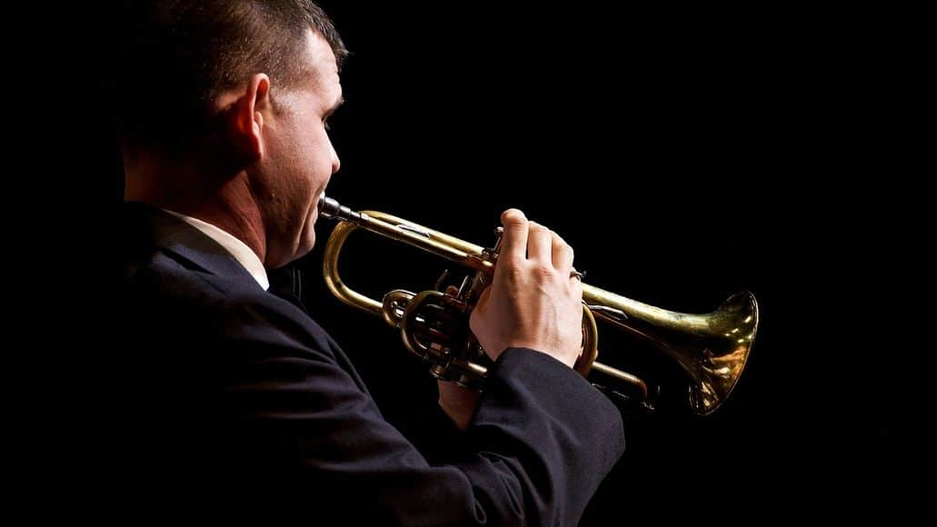 Trumpeter with a good hold on his instrument