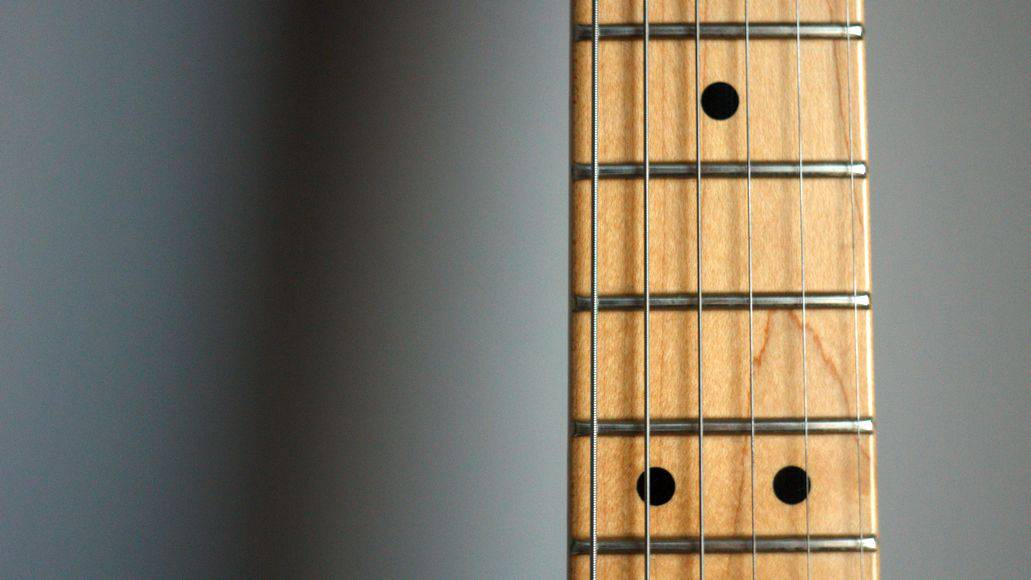 How to clean a guitar fretboard