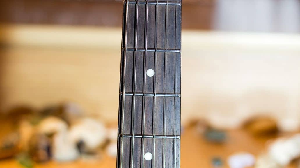Dots on the fretboard
