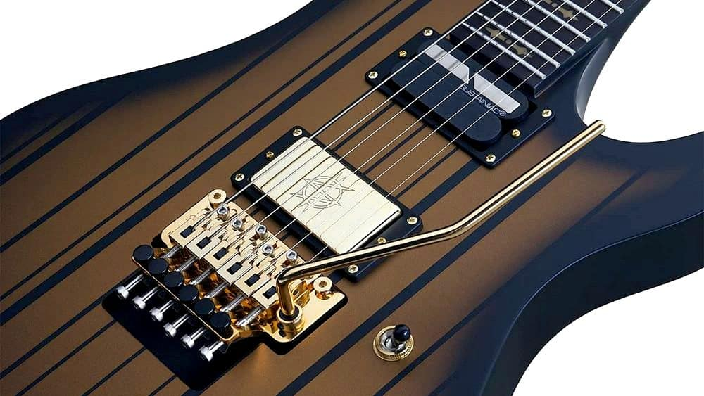 Synyster Gates Custom-S electronics