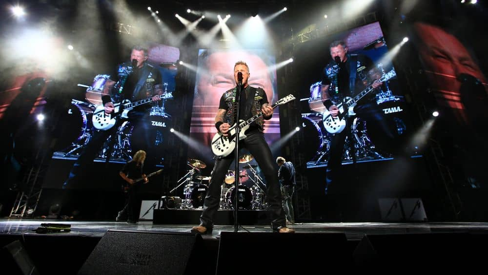Metallica playing heavy metal