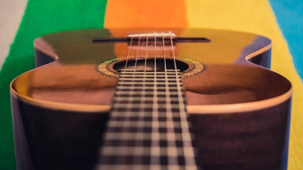 Flat neck on spanish guitar