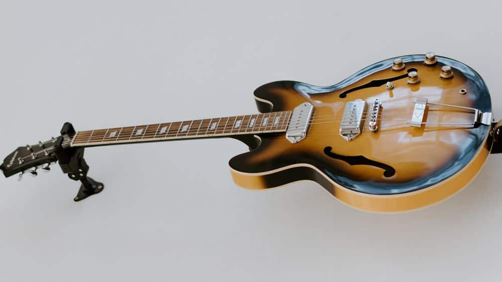 Jazz guitar with P90s
